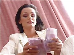 তিনি স্বর্ণকেশী, গম্ভীর কচি মেয়েদের চুদাচুদি ভিডিও গর্জন-আমার ব্যাগ বস্তাবন্দী হয়, আমি বিস্ফোরণে প্রস্তুত আছি